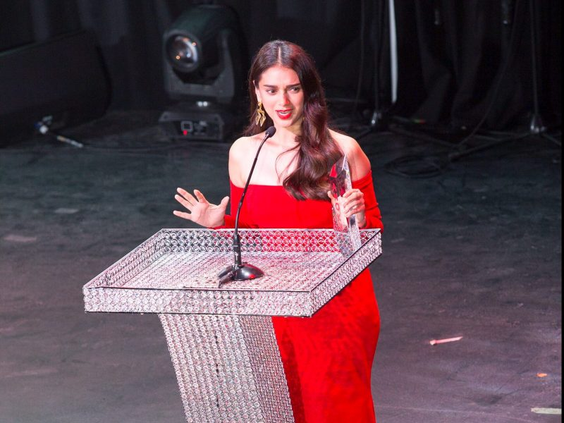 Aditi Rao Hydari Wins Most Promising Style Icon 2016 Award