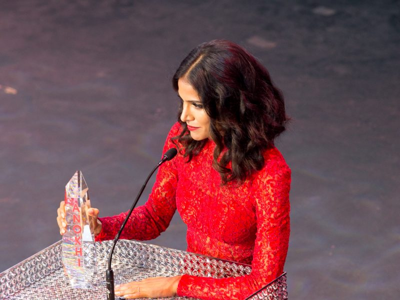 Melanie Chandra Wins Actor Of The Year 2016 Award